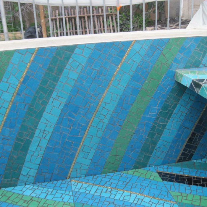 La fabrication et la pose de <strong>mosaïques</strong><br /> architecturales et décoratives.